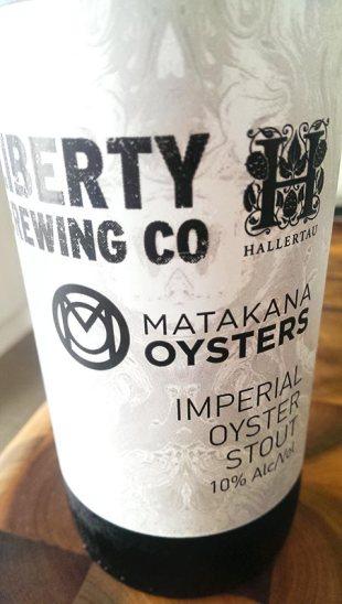 libhall-oyesterstout-bottle
